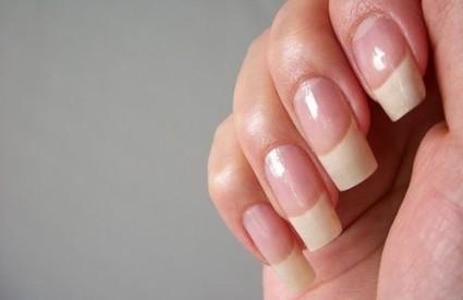 Длинные ногти - мечта многих женщин