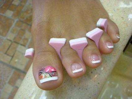 Покрытие гелем своих ногтей на ногах 90