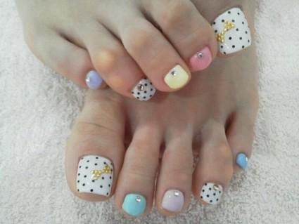 Цветные гели помогают разнообразить ногтевой дизайн