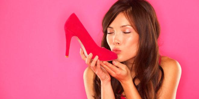 Грибковая инфекция может притаиться в любимых туфельках