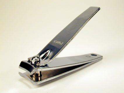 Маникюрные инструменты помогут вам красиво подстричь ноготки