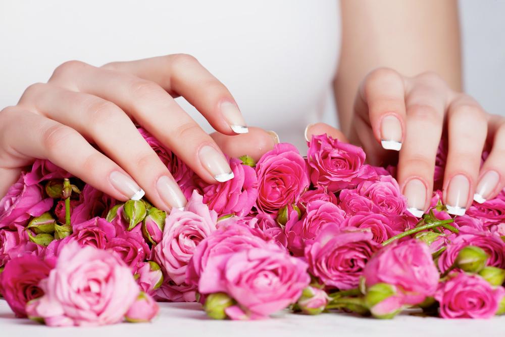 Фотка маникюра с цветами