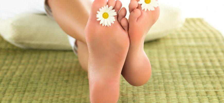 Красивые ножки добавляют женственности