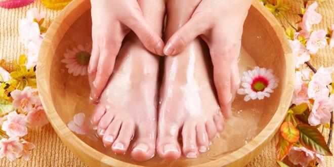 Водные процедуры - очень популярный метод народного лечения