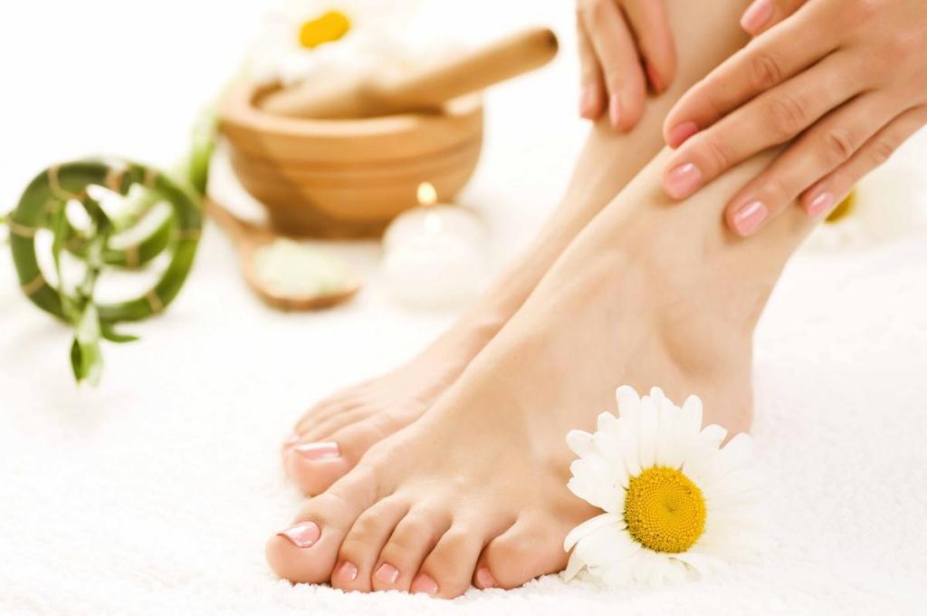 Ноготь на большом пальце ноги побелел: что это, почему ногти стали белыми, причины